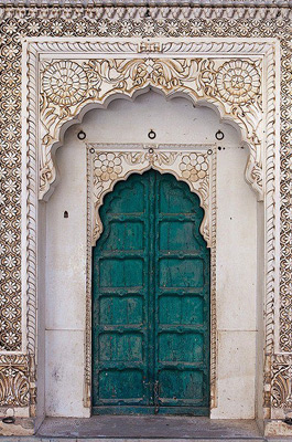 Most-Beautiful-Doors-Marrakesh-themodernsybarite
