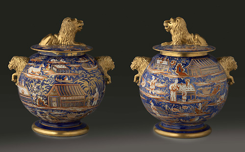 NYC-antique-lion-vases-themodernsybarite