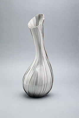 silver sculpture kevin grey-vase