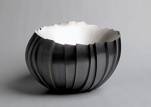silver sculpture kevin-grey-bowl