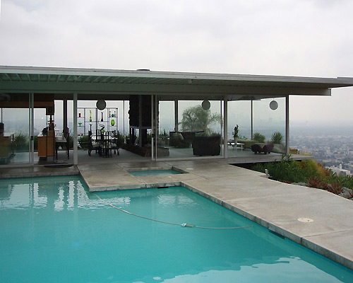 Stahl House LA from outside